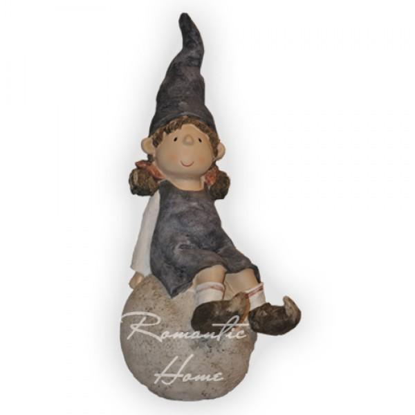 Фигурка Гном-девочка на шаре
