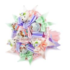 Букет из конфет и мягких игрушек С днем рождения мини