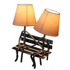 Лампа Пара на лавке