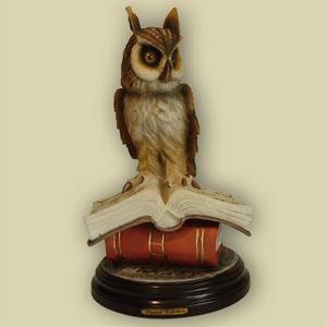 Статуэтка «Сова на книгах»