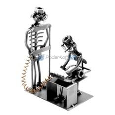 Статуэтка из металла Рентгенолог