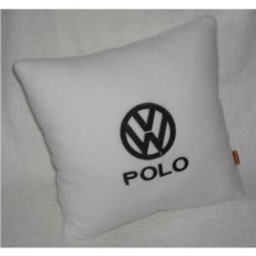 Белая подушка с черной вышивкой Volkswagen Polo
