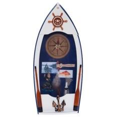 Ключница в виде лодки с часами