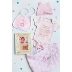 Розовый именной подарочный набор для малыша