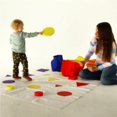 Подвижная развивающая игра «Форма. Цвет. Размер»