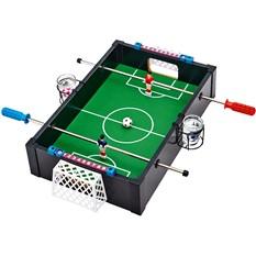 Игра «Пьяный футбол» со стопками