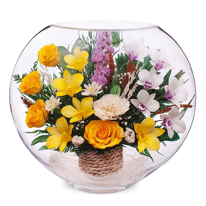 Цветы в стекле: Композиция из роз и орхидей
