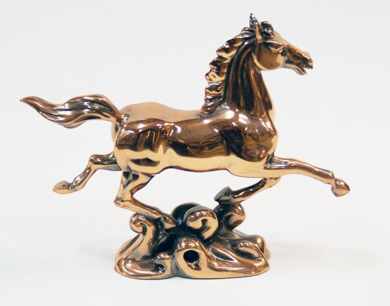Статуэтка Конь-рысак
