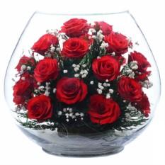 Цветы в стекле: Композиция из красных роз