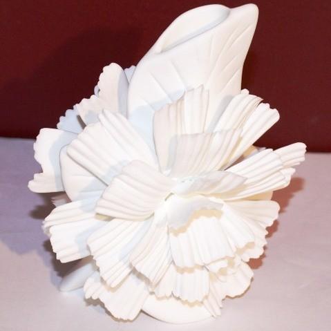 Фарфоровая ваза Гвоздика