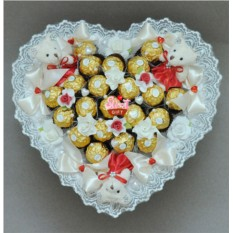 Букеты из мягких игрушек и конфет Нежность и страсть