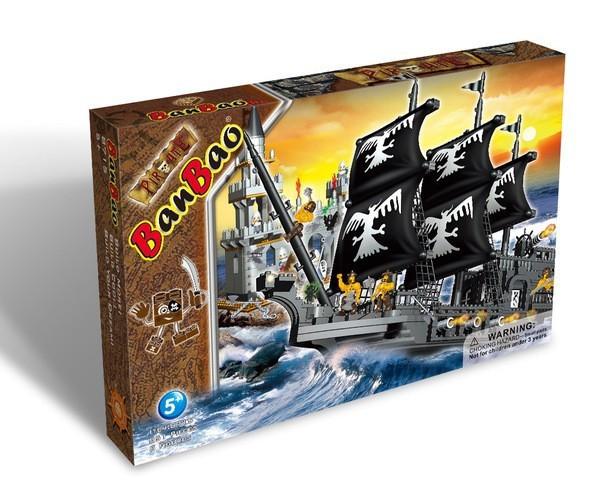 Конструктор Пиратский корабль и крепость, 811 деталей