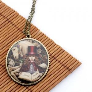 Медальон Девочка-волшебница