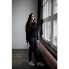 Черный свитер-трансформер