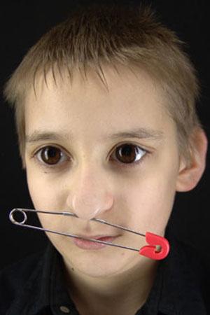 Булавка в нос