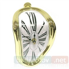 Часы Сальвадора Дали стекающие с полки (золотые)