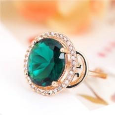 Кольцо с зеленым цирконием и кристаллами Рим