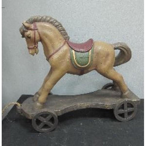 Лошадка на колёсиках
