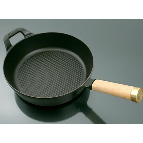 Сковорода c деревянной ручкой Staub 28 см