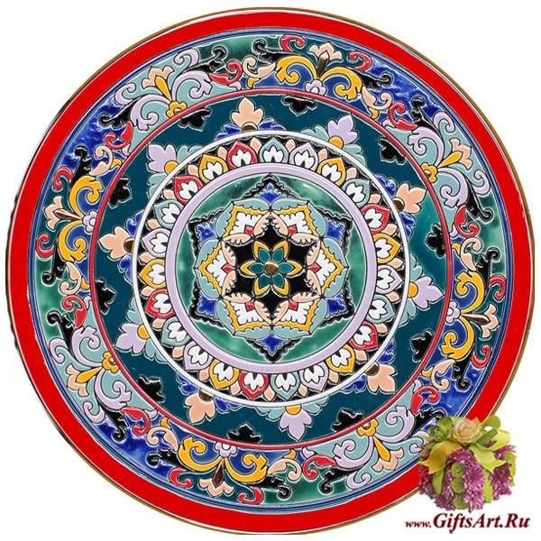 Настенная тарелка с росписью эмалями и золотом