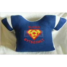 Синяя с белыми полосками подушка-футболка Супер футболист
