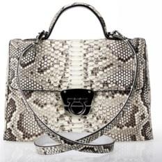 Белая сумка ручной работы из кожи питона