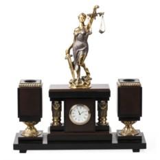 Настольные часы Богиня правосудия
