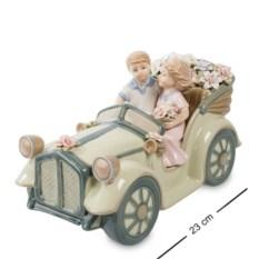 Статуэтка Влюбленные в автомобиле от Pavone
