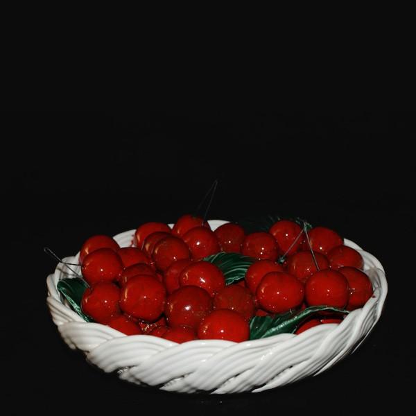 Блюдо круглое с вишнями