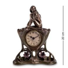 Часы Обнаженная девушка