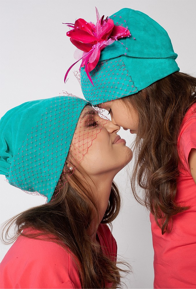 Комплект шапок Вуалька для мамы и дочки