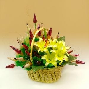 Акварель. Букет из конфет с цветами