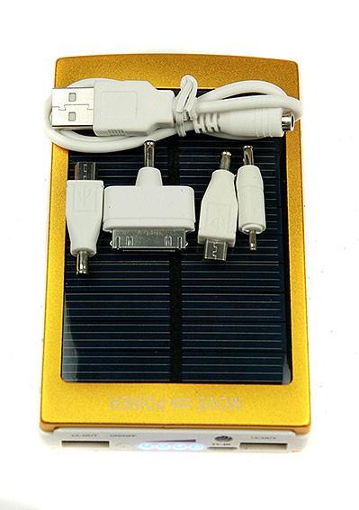 Портативное зарядное устройство с фонариком