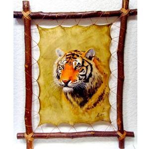 Авторская картина на коже Голова тигра