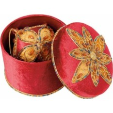Новогоднее украшение в шкатулке
