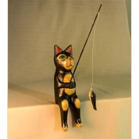 Сувенир из дерева Кот-рыболов черный с рыжими пятнами