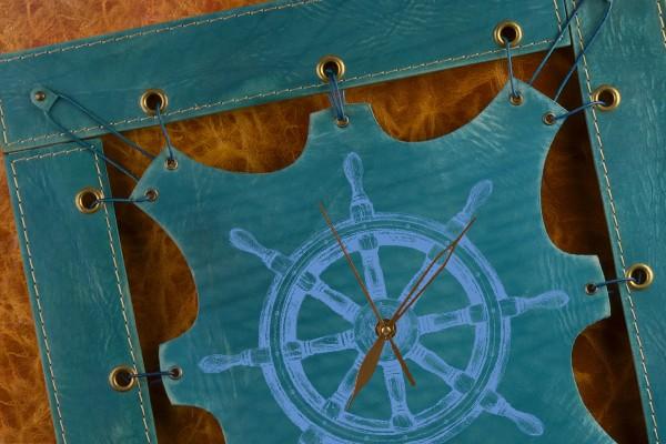 Часы из кожи Штурвал (синий, квадратная рама)