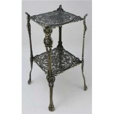 Квадратный декоративный столик