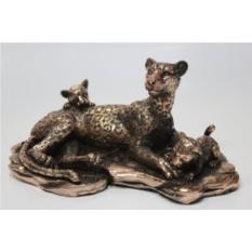 Фигурка Семья леопардов