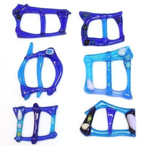 Пряжка синяя - аксессуар для платка или шарфа.