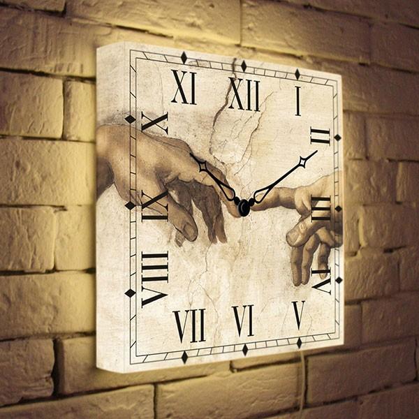 Настенные часы с подсветкой «Сотворение Адама»