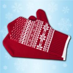 Красные рукавички с зимним узором