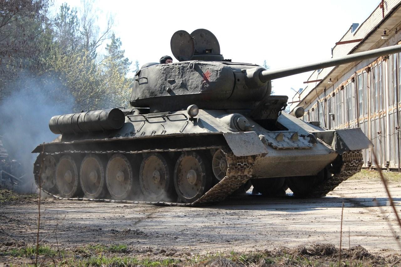 Поездка на танках в подарок 37