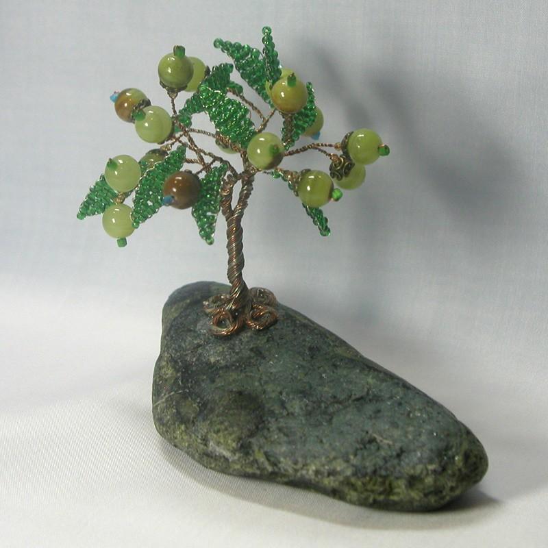 Дерево счастья из оникса на змеевике