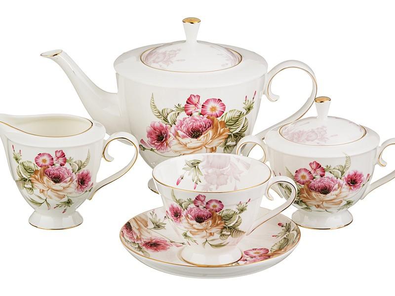Чайный сервиз с цветочным рисунком на 6 персон из 15 предм.