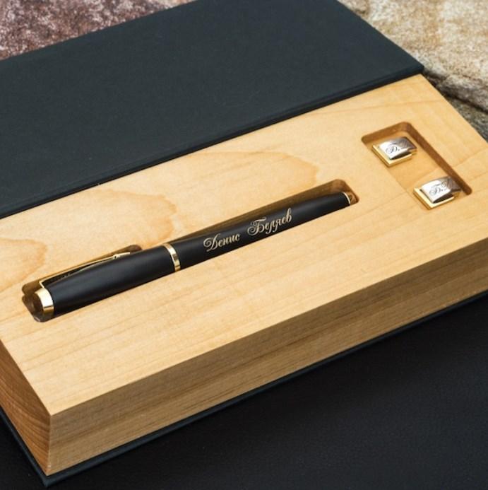 Подарочный набор ручка Parker и запонки Persona с гравировкой