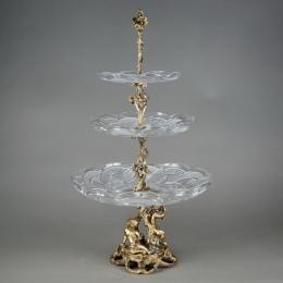 Трехъярусная ваза «Разорители гнезд»