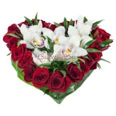 Композиция из роз и орхидей Цветы с любовью