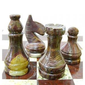 Каменные шахматы из яшмы