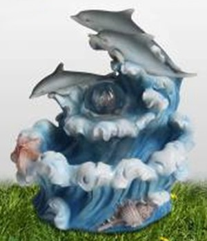 Декоративный фонтан с подсветкой Дельфины и море